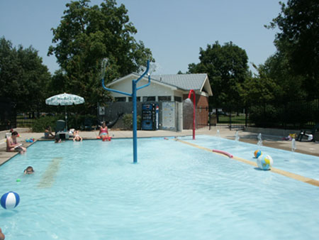 South park wading pool city of lawrence kansas for Public swimming pools kansas city
